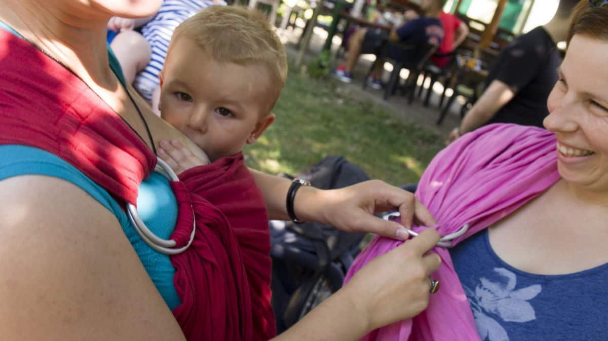 Nošenje beba i djece