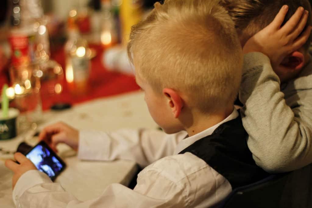 ovisnost mobitel