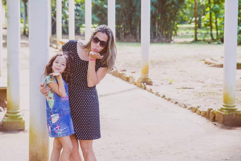 mama i dijete se smiju